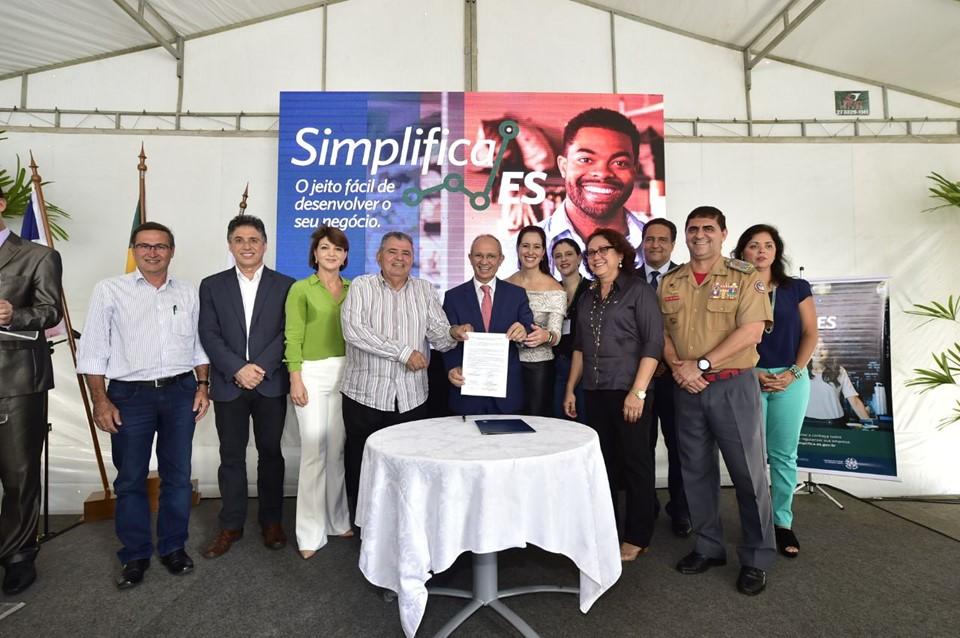 Governo do Espírito Santo e JUCEES lançam Programa Simplifica ES e Escritório do Empreendedor
