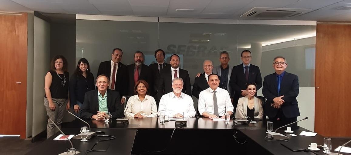 Jucec assina convênio com Sebrae Nacional para viabilizar projeto Empreendedor Digital