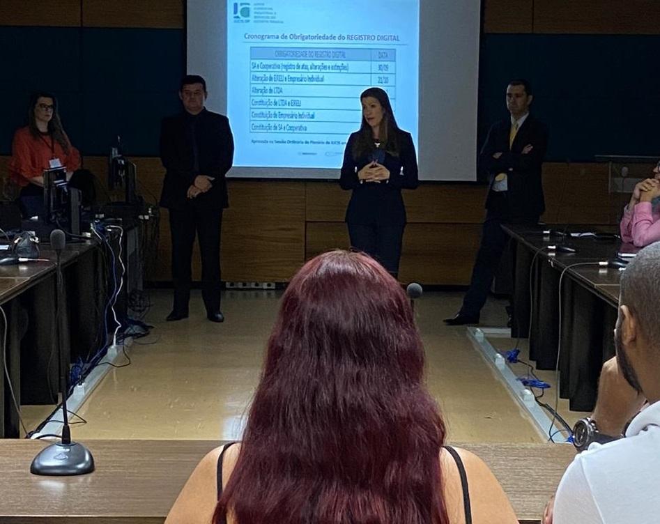 Mais de 700 pessoas participaram de workshops da Jucis-DF