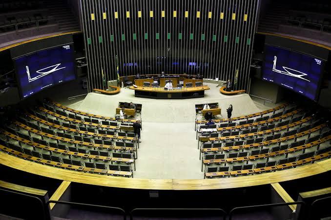 Câmara aprova MP que altera regras para assembleias gerais em empresas