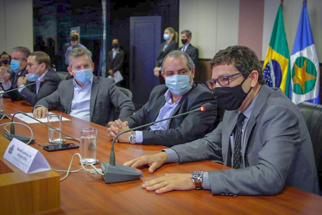 Novo presidente e vogais da JUCEMAT tomam posse