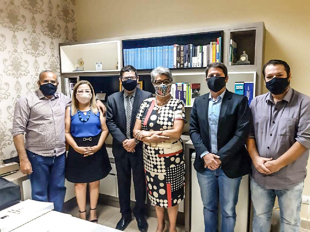 Read more about the article Jucemat e Anoreg MT se reúnem para implantação da Redesim