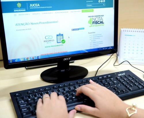 JUCEA realiza treinamento sobre uso de assinatura avançada